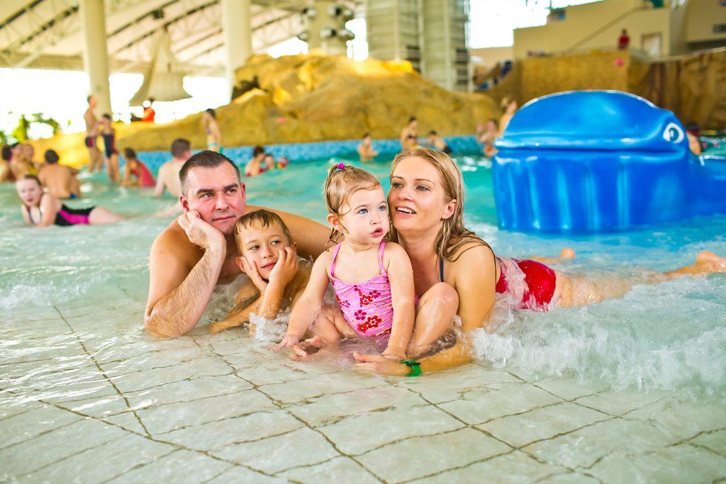 aquapark basen z falą